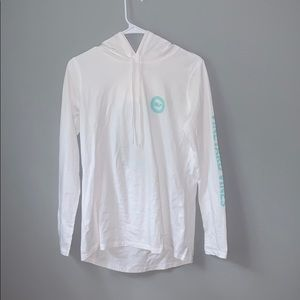 Vineyard vines white T-shirt hoodie